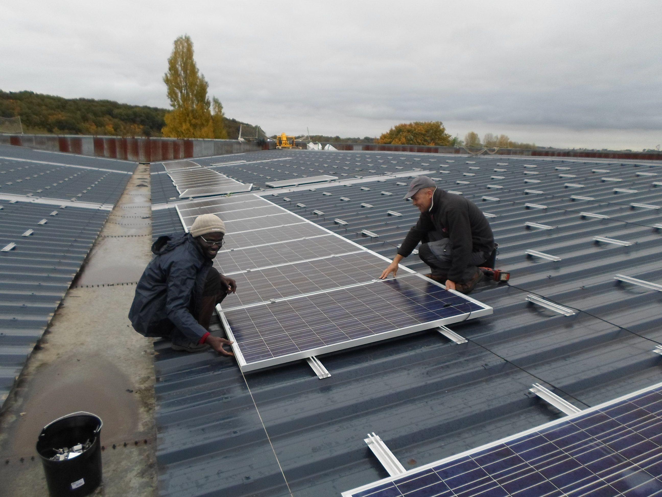 Lumo l 39 pargne participative pour les nergies renouvelables for Pose de panneaux solaires sur toiture